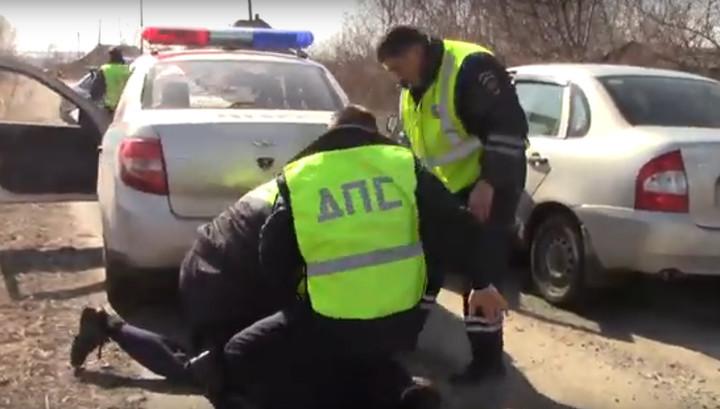 Погоня полицейских за пьяным водителем с детьми попала на видео
