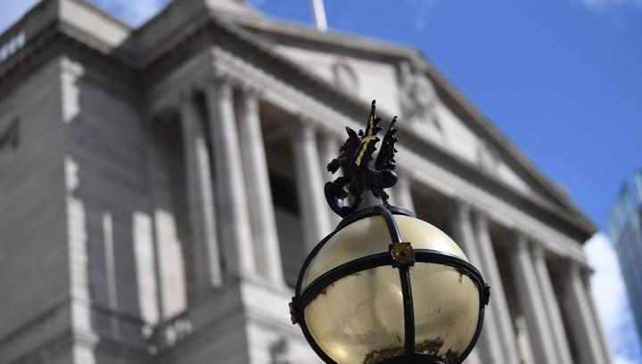Великобритания впервые продает облигации с отрицательной доходностью