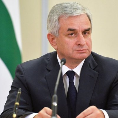 Президент Абхазии провёл экстренное заседание Совбеза
