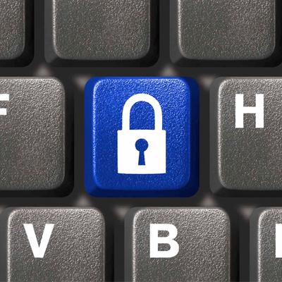 """Под семью замками II. Защищаем аккаунты в Facebook и """"ВКонтакте"""""""