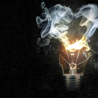 Лампы накаливания мощностью выше 50 Вт пока не будут запрещать
