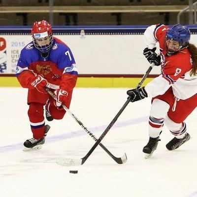 Хоккеистки молодежной сборной России обыграли сборную Швеции