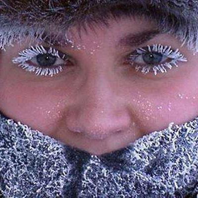 Роспотребнадзор дал рекомендации, как избежать обморожения