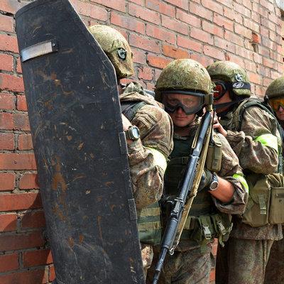 Сотрудники Росгвардии задержали в ходе штурма мужчину, устроившего стрельбу