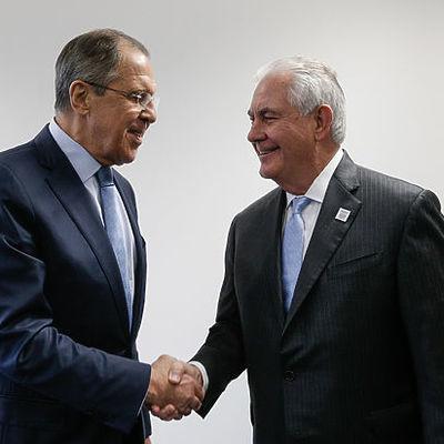 Лавров обсудил с Тиллерсоном ситуацию с иранской ядерной программой