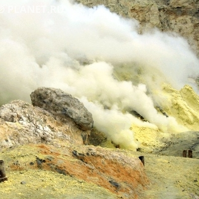Туристы погибли после падения в кратер вулкана под Неаполем
