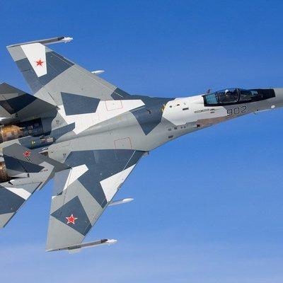F-22 мешал самолетам ВКС над Сирией, но удалился при приближении Су-35С