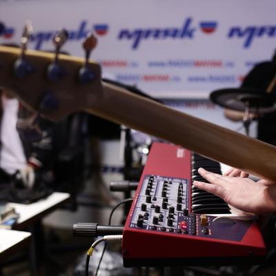 Живой концерт у Сергея Стиллавина и его друзей. Группа Yuppies. 4