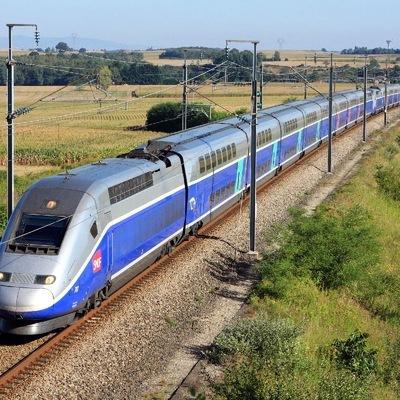 Высокоскоростной поезд сошел с рельсов недалеко от Базеля