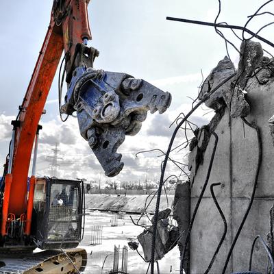 Городские службы готовятся к сносу столетнего дома во Владивостоке