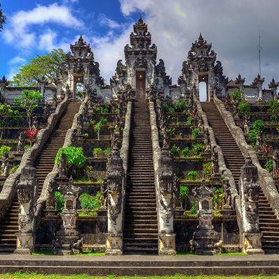 Власти острова Бали введут новые правила посещения храмовых комплексов для туристов