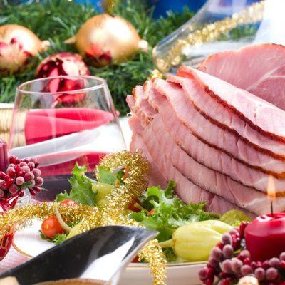 Российские диетологи подсказали как не набрать лишний вес на новогодних праздниках
