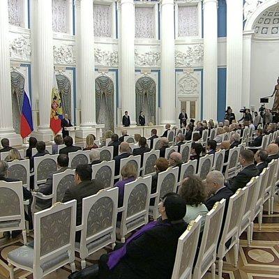 Путин вручает госпремии за выдающиеся достижения в правозащитной и благотворительной деятельности