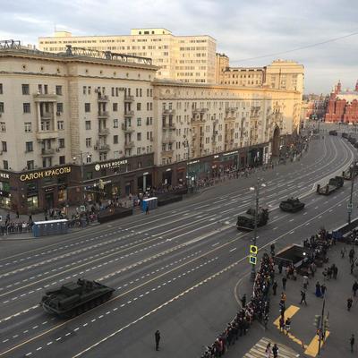 24-гоиюня на Тверской улице нанесут временную жёлтую разметку для военной техники