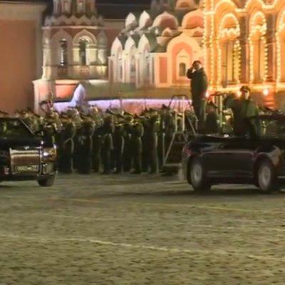 Движение в центре Москвы будет ограничено вечером 4 июня из-за ночной репетиции парада Победы
