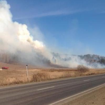 Четыре пожара действуют вблизи  от населенных пунктов Иркутской области