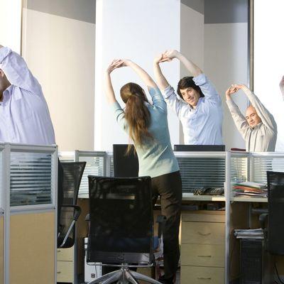 Почти треть россиян занимаются физкультурой и спортом на рабочем месте