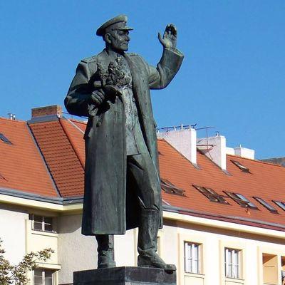 СКР возбудил уголовное дело в связи с демонтажом памятника Коневу в Праге