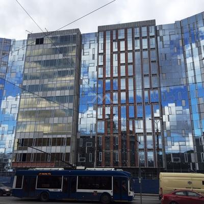 В петербургском бизнес-центре сорвался лифт с пассажирами