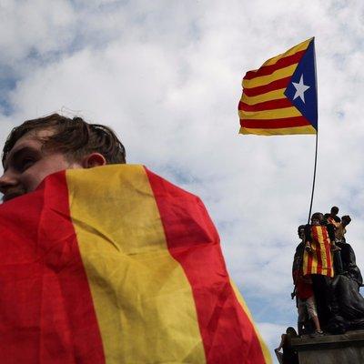 Новые акции протеста начались в Каталонии, самая массовая проходит в Барселоне