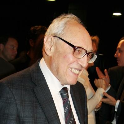 Актер и телеведущий Игорь Верник сообщил о смерти своего отца