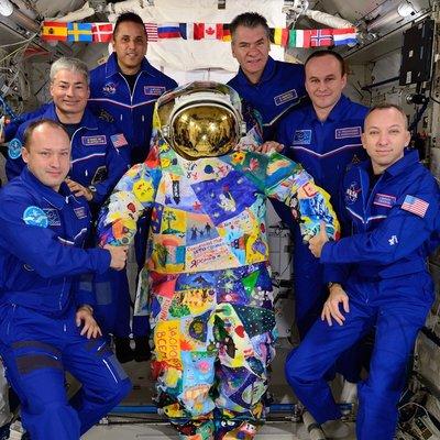 В ЦДМ на Лубянке установят космический скафандр «Победа»