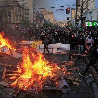 По меньшей мере 15 человек погибли за неделю беспорядков в Чили