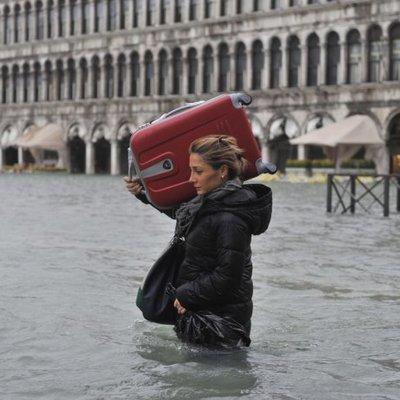Уровень воды в Венеции поднялся до самого большого значения за более чем 50 лет