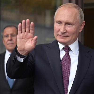Путин вручит госнаграды за выдающиеся достижения в различных сферах