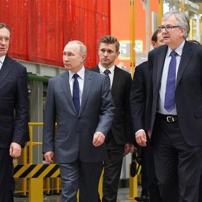 Владимир Путин принял участие в торжественном митинге рабочих КАМАЗа