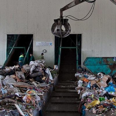 На мусороперерабатывающем заводе в Самарской области произошел пожар