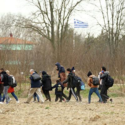 Власти Греции предотвратили попытку нарушения границ мигрантами