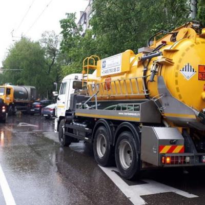 Службы ЖКХ, специалисты МЧС и дорожники ликвидируют подтопления в муниципалитетах Подмосковья