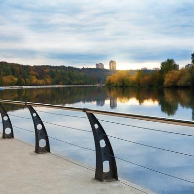 Москва-река вышла из берегов в районе Филёвского парка