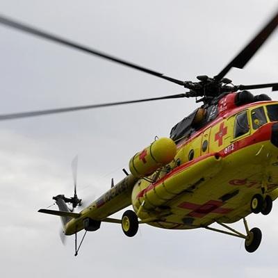 Рабочего, спасенного из-под завалов ТЦ в Зуевке, вертолетом доставят в областной Центр травматологии