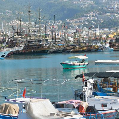 Турция планирует взять под контроль ситуацию с коронавирусом к лету