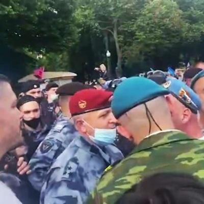 В Москве подрались десантники и росгвардейцы