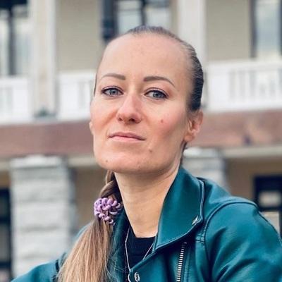Полина Уханова