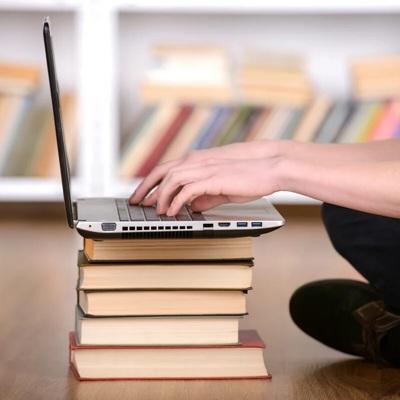 В штате Иллинойс школьникам запретили появляться на онлайн-уроках в пижамах