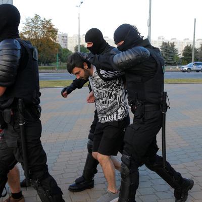 В центре Минска начались новые задержания протестующих