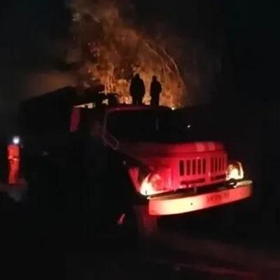 Пожар в поселке Верея в Подмосковье локализован на площади 234 кв. м