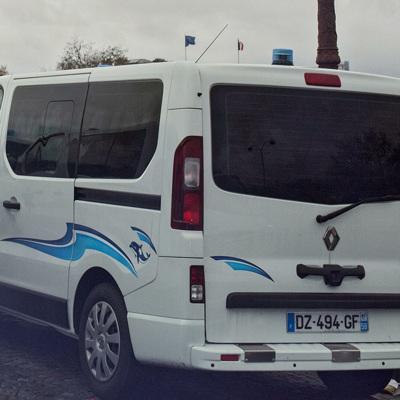Во Франции со среды начинают отстранять от работы непривитых от ковида медиков