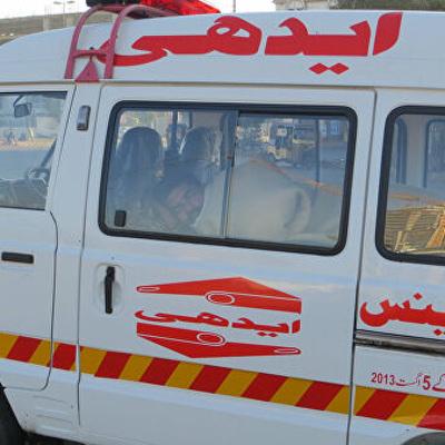 16 человек погибли при падении автобуса в овраг на севере Пакистана
