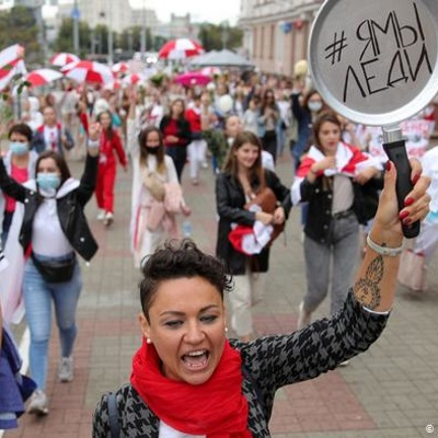 В Минске проходит протестный марш женщин против политики руководства Белоруссии