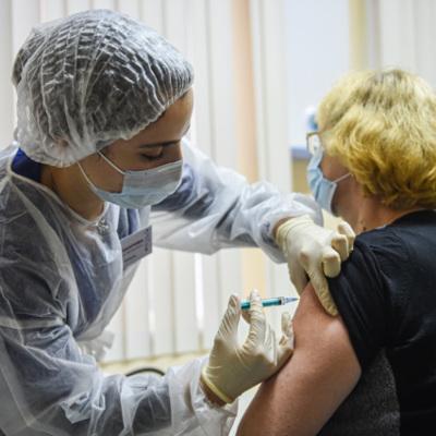 Запас доз вакцины от коронавируса закончился в Ленинградской области