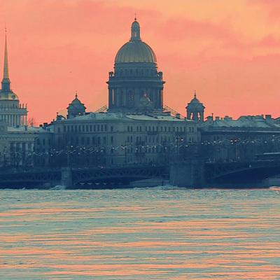 Тенденция на снижение заболеваемости ковидом в Санкт-Петербурге пока сохраняется