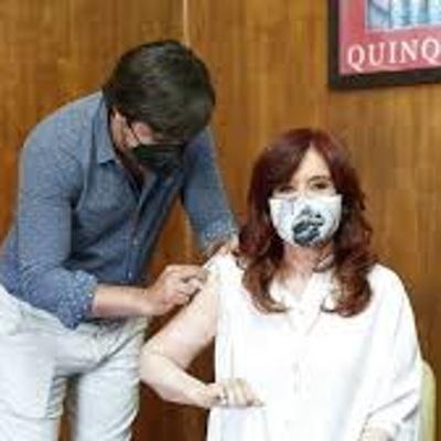 Вице-президент Аргентины привилась российской вакциной
