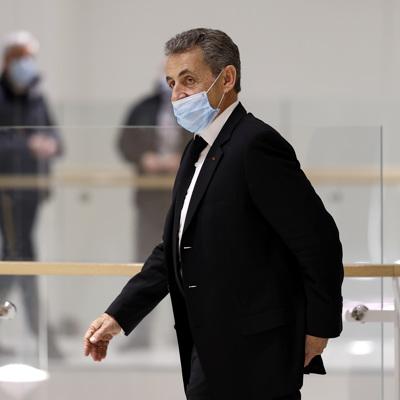 Суд приговорил экс-президента Франции Николя Саркози к реальному сроку