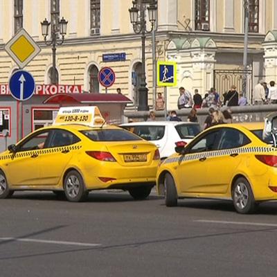 Агрегаторов такси обязали отключить водителей с иностранным правами