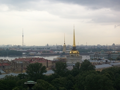 В Петербурге на воду спустили точную копию линейного корабля